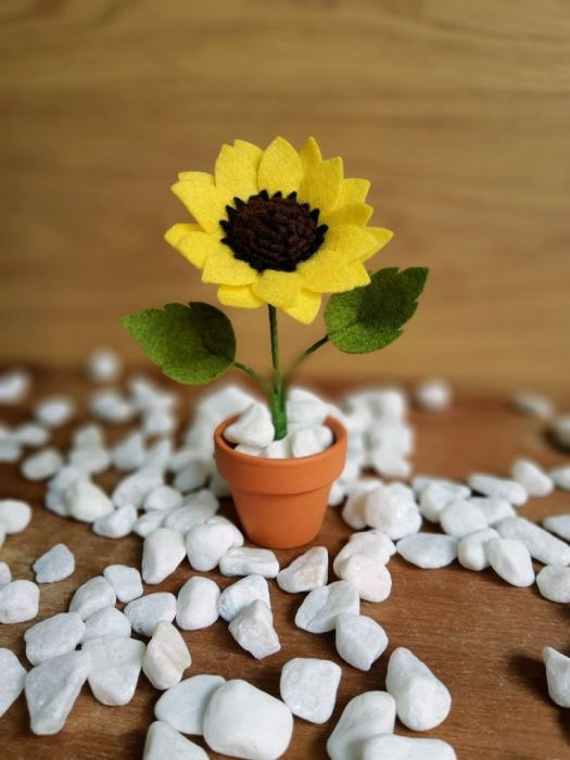 Mini słonecznik z filcu