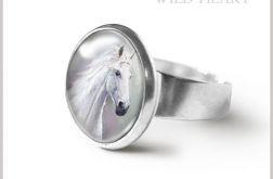 Pierścionek - Biały koń