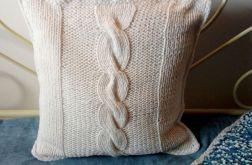 dziergana poszewka na poduszkę z warkoczem