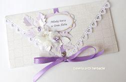 Kopertówka z fioletowym kwiatem