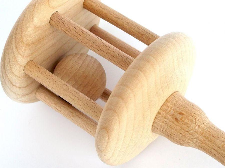 Grzechotka drewniana, zabawka Montessori