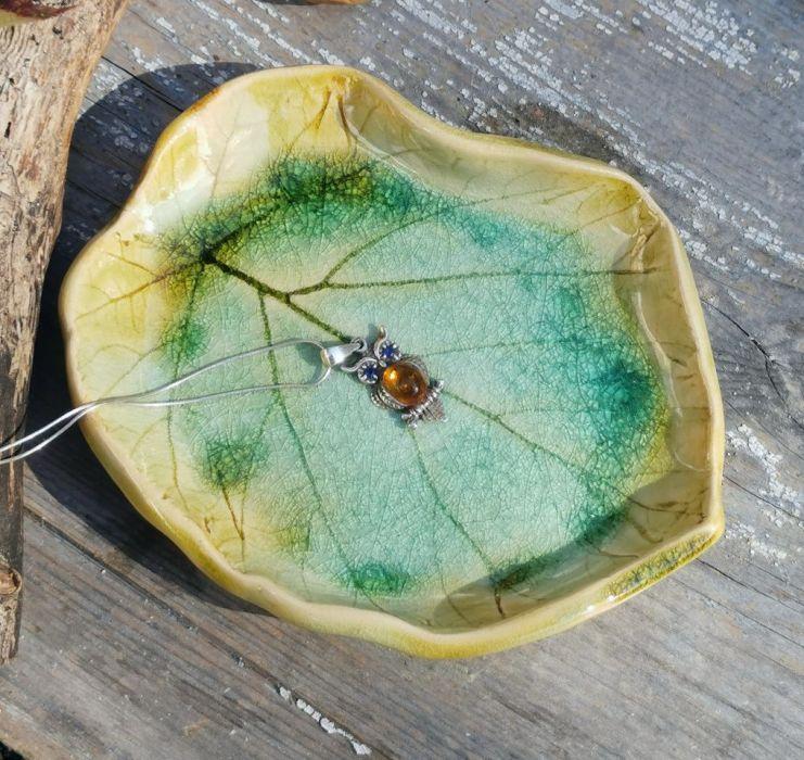 Ceramiczny liść, talerzyk (c19)