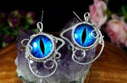 Srebrne kolczyki ze smoczym okiem niebieskie.