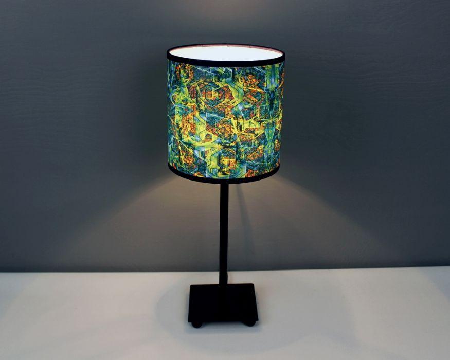 Ciemnozielona lampa stojąca sEN kOSIARZA 6 S - Lampa daje ładne, rozproszone światło.