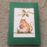 Kartka z haftowaną myszką - Kartka okolicznościowa uniwersalna handmade