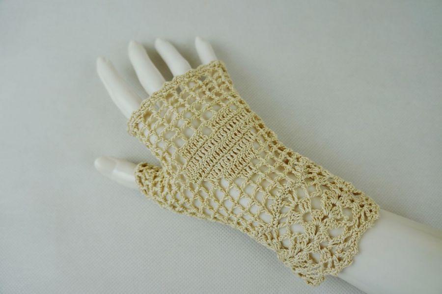 Romantyczne rękawiczki beżowe - Mitenki szydełkowe