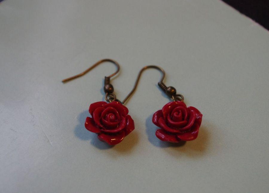 Kolczyki handmade różyczki czerwone - Na leżąco