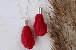 Czerwone kolczyki kwiatowe wiszące