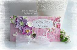 Kopertówka z fioletowymi kwiatami