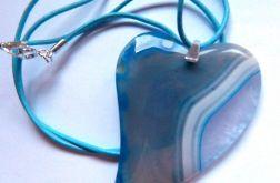 Szaro niebieskie serce,agat i kryształ,wisior
