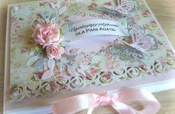 Czekoladownik Dzień Nauczyciela róże