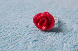 Pierścionek z różą 3