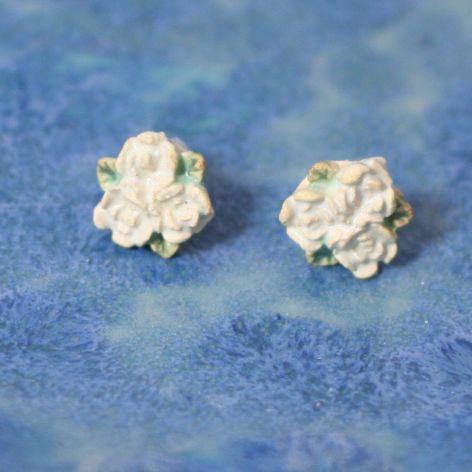 Kolczyki 3 róże sztyft kolor perłowy