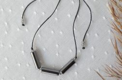 Bransoletka na czarnym sznureczku z hematytem