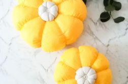 "Poduszka ozdobna ""Kwiat "" żółta 2 sztuki"