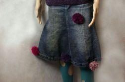 Jeansowa z pomponami