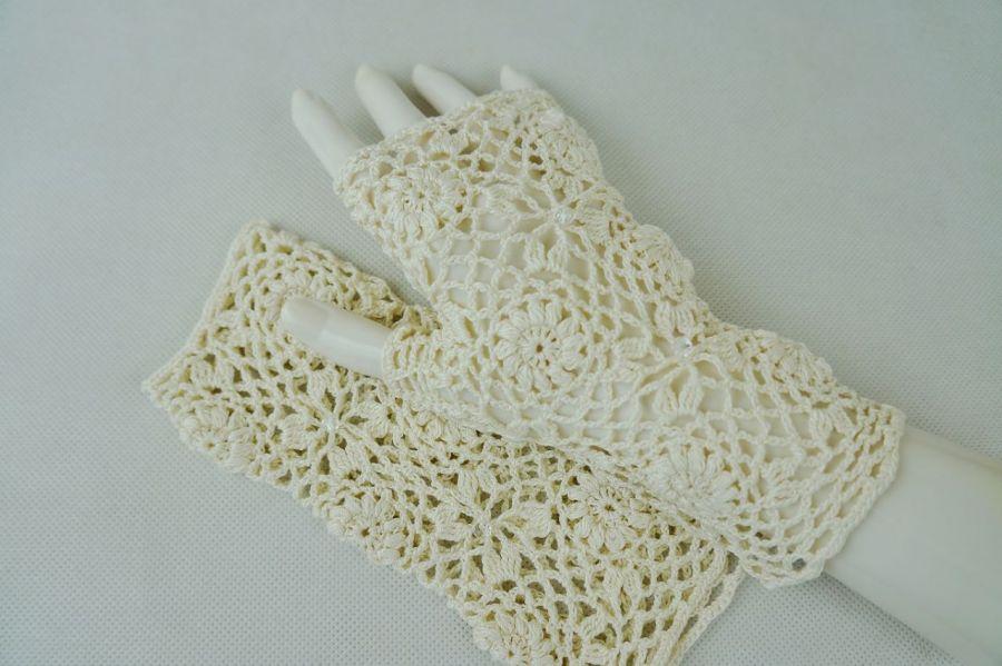 Rękawiczki, mitenki szydełkowe ecru