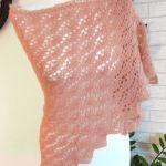 Łososiowa chusta szydełkowa -