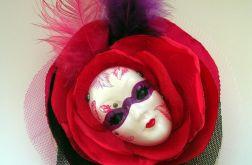 Broszka z kolekcji Masquerade - Pierzasta IV