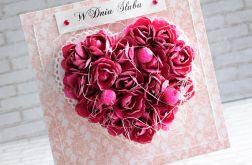 Fuksjowe kwiatowe serce w ornamentach