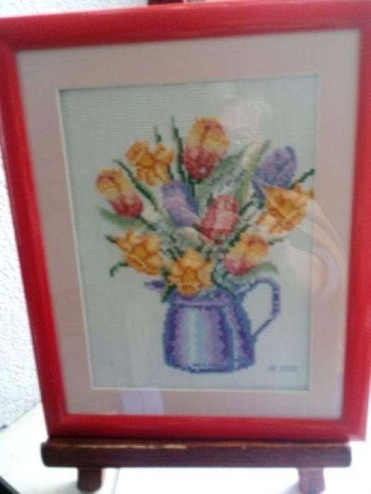 Haftowane tulipany - zblizenie