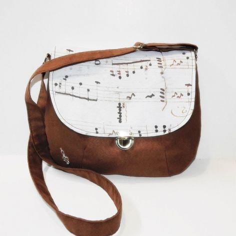 Muzyczna torebka listonoszka w nutki