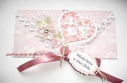 Różowa kopertówka ślubna z guziczkiem i tagiem
