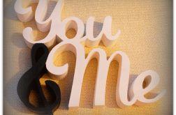 Drewniany napis You & Me