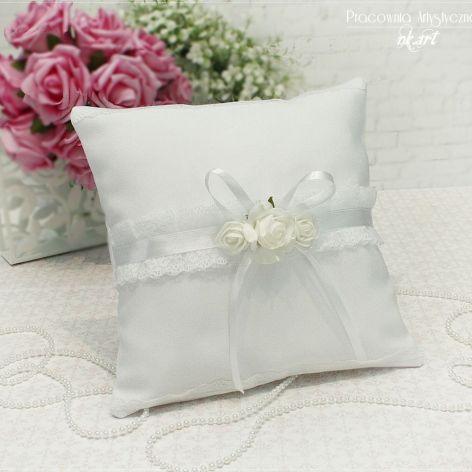 Poduszka pod obrączki w bieli