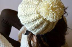 czapka ecru