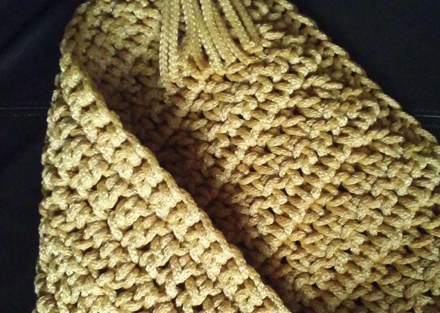 Poszewka ze sznurka, złota - poszewka na poduszkę ze sznurka