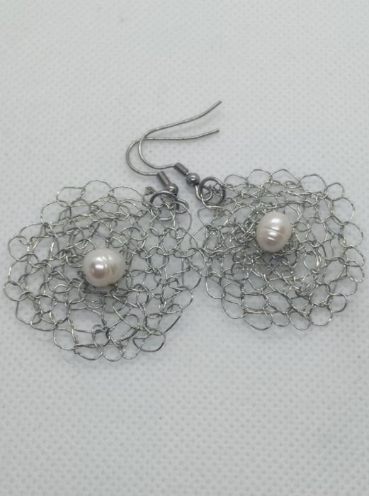 Kolczyki szydełkowe z naturalną perłą