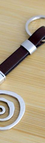 Unisex brelok skórzany brązowy