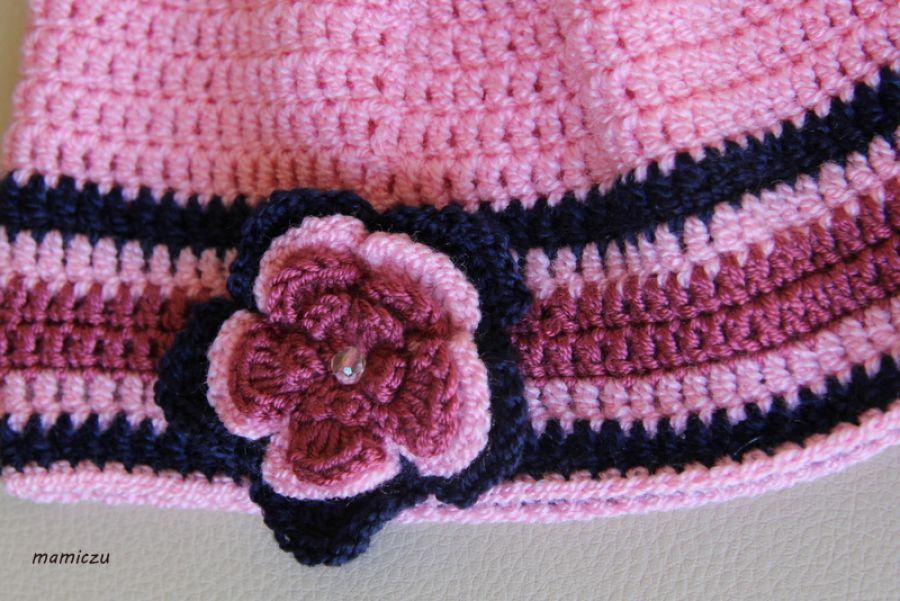 Różowa czapka z kwiatkiem