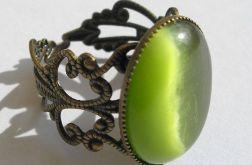 Filigranowy pierścionek - zielone kocie oko