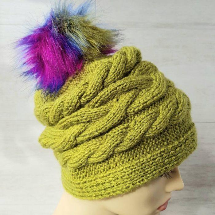 Czapka zimowa z pomponem. - modna czapka