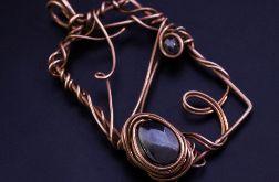 Miedziany wisior - ramka z hematytem