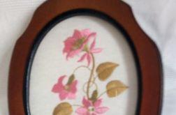 Haftowany obrazek- różowe kwiatki