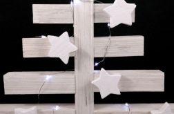 Biała, drewniana choinka LED
