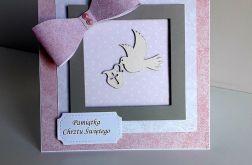 Kartka na Chrzest różowa z gołąbkiem róż