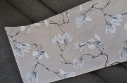 Bieżnik 40 x 110 cm - magnolie na beżu