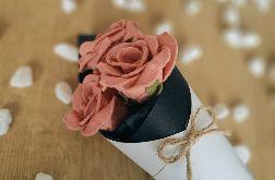 Bukiet róż z filcu - jasny róż