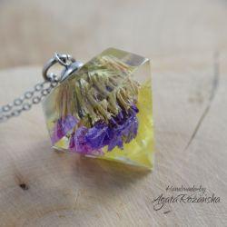 Wisiorek diament z kolorowymi kwiatami