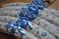 Komplet pięciu wieszaków pachnących lawendą - niebieskie kwiatuszki