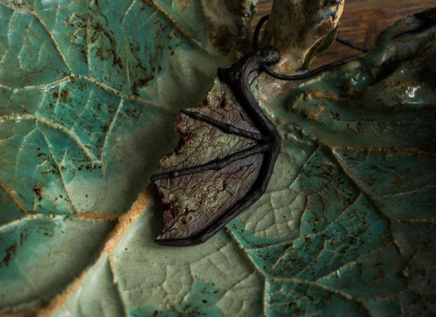 Smocze Skrzydło -naszyjnik z wisiorem