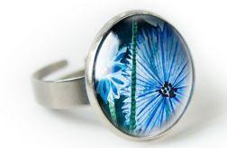 Chabry pierścionek z ilustracją