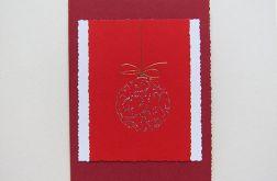 Czerwona kartka świąteczna z bombką