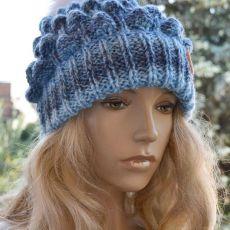 Melanżowa czapka w niebieskim