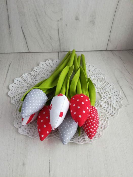 Tulipany z bawełny bukiet czerwony Dzień Mamy