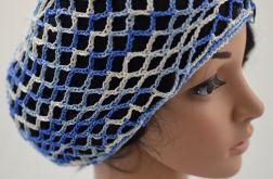 ażurowa letnia czapeczka niebiesko-biała